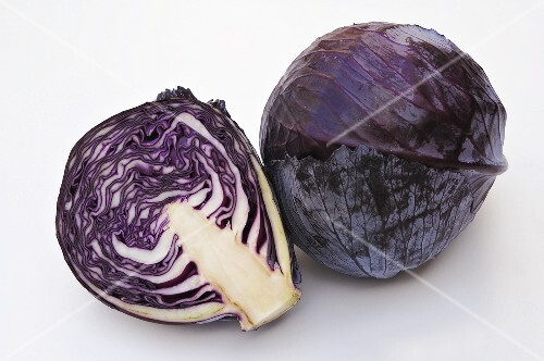 Red cabbage, whole and halved