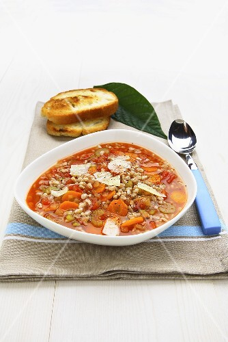 Zuppa di farro e verdure (Spelt and vegetable soup, Italy)
