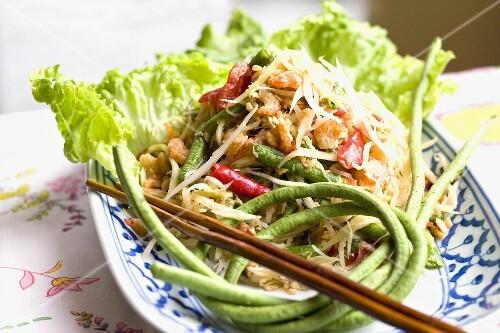 Papaya salad with snake beans and shrimps (Thailand)