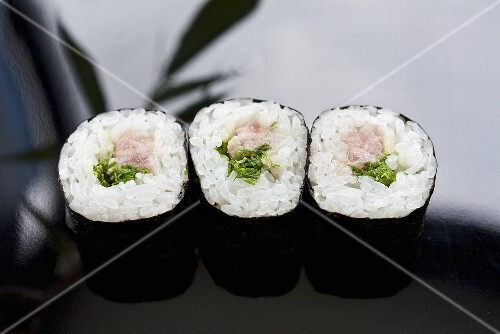 Maki sushi filled with tuna and 'negi' (Japanese spring onions)