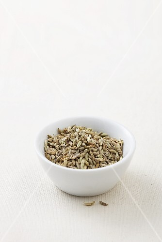Fennel seeds in small dish