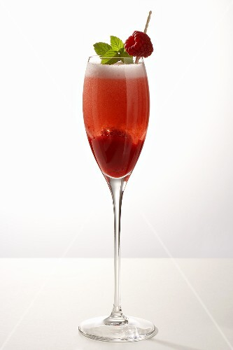 Prosecco with raspberries