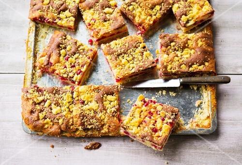 Redcurrant tray bake crumble cake