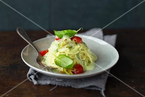 Spaghetti with basil foam sauce