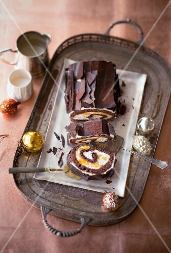 Chocolate Swiss roll with mango and mascarpone cream