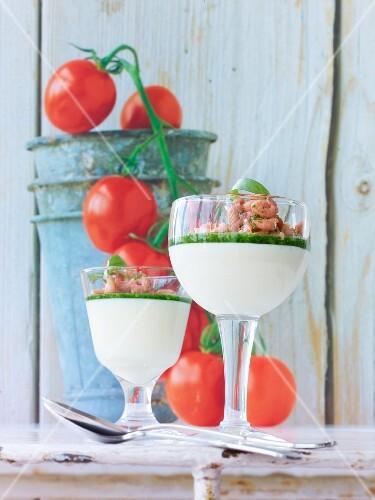 White tomato foam with shrimps
