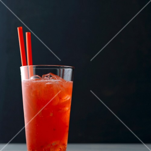 Raspberry fizz with lychees