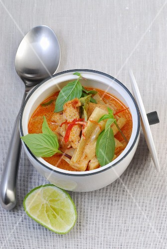 Red Thai curry with chicken and bamboo shoots