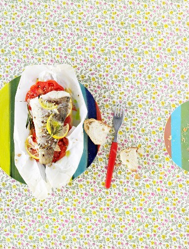 Fish and tomato parcels with lemon and rosemary