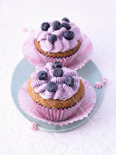 Blueberry cupcakes with a crème fraîche topping