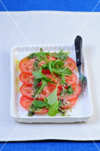 Tomato salad with rocket