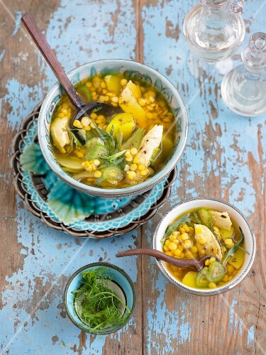 Fennel and lentil soup with chicken