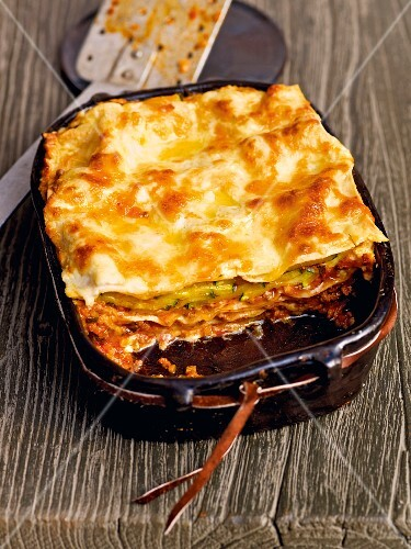 Minced meat and courgette lasagne