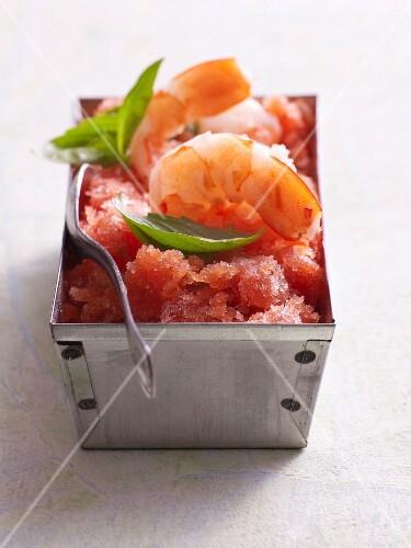 Tomato granita with gin and prawns