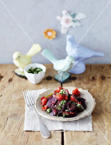 Braised aubergines and tomatoes with mint pesto