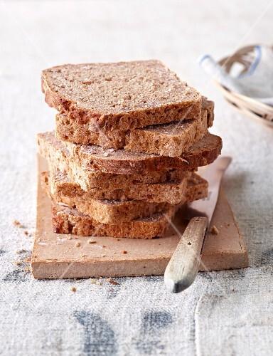 Sliced spelt wholegrain bread