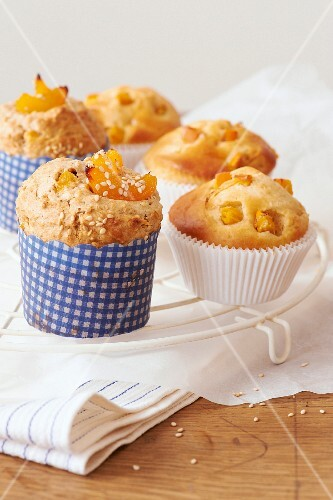Spelt muffins with apricots and sharon fruit muffins
