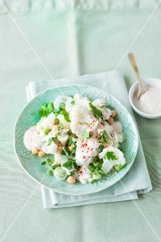 Cauliflower salad with chickpeas and a yogurt dressing