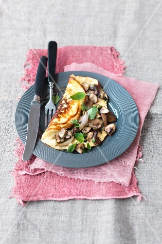 Quark omelette with mushrooms