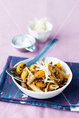 Pasta with yellow vegetables