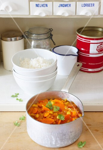 Chickpea curry with carrots