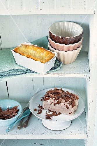 Mini cakes: chocolate cake, and ricotta rice cake