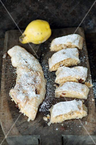 Quince strudel with icing sugar