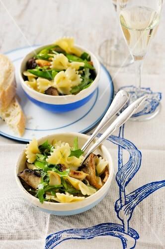 Pasta salad with mushrooms