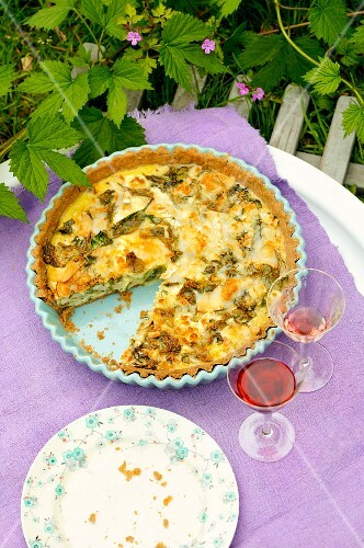 A green vegetable quiche