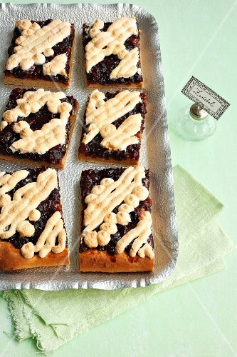 Sweet onion cake with cranberries