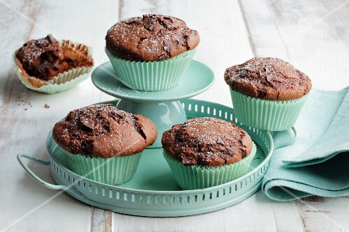 Chocolate muffins with cardamom