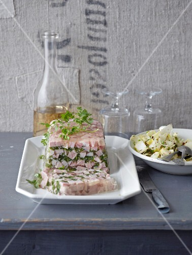 Slow cooking: ham in aspic with chervil and shallots
