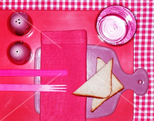 Gedeck in Pink mit Toastecken
