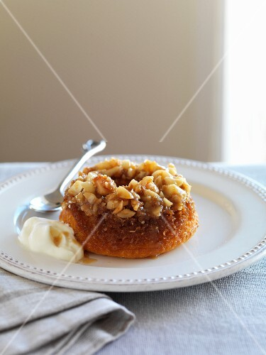 Macadamia nut pudding with yogurt