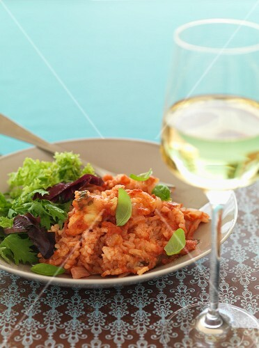 Oven-baked tomato and mozzarella risotto