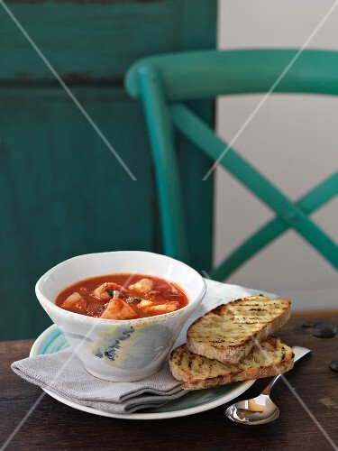 Zuppetta di mare (seafood soup with toasted bread)