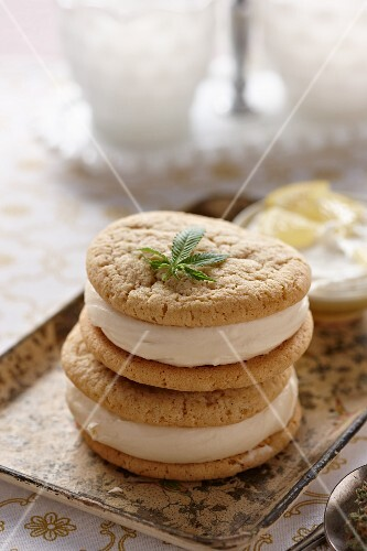 Lemon Marijuana Whoopie Pies