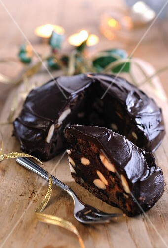 Panpepato (Italian chocolate and almond cake)