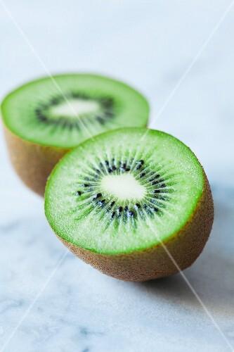 A sliced kiwi