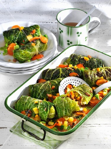 Savoy cabbage roulade with pumpkin and carrots