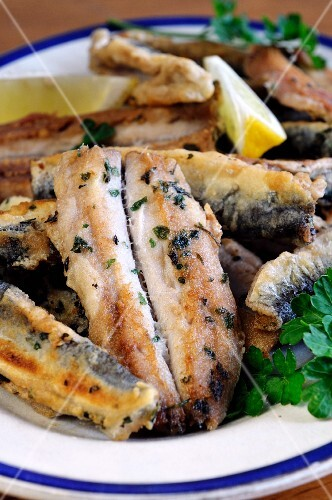 Pan-fried herring fillets with parsley