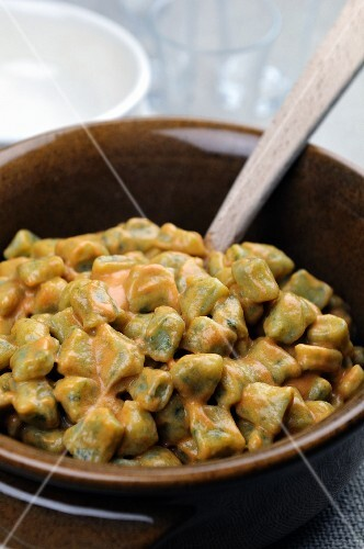Spinach gnocchi with a creamy tomato and mascarpone sauce