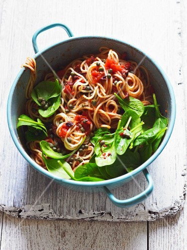 Spaghetti with tomatoes and spinach