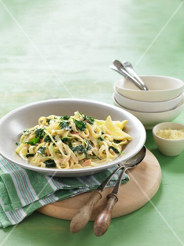 Fettuccine with salmon and green cabbage