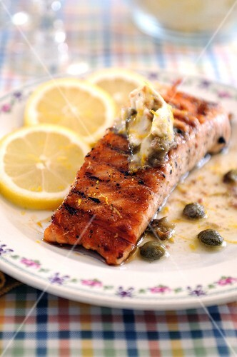 Fried salmon fillet with anchovies and caper butter