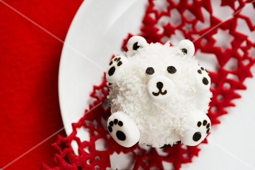 A polar bear cupcake
