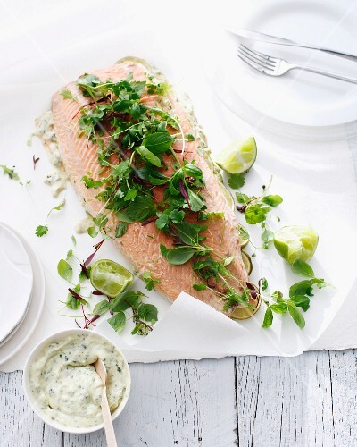 Salmon with herbs and tartar sauce