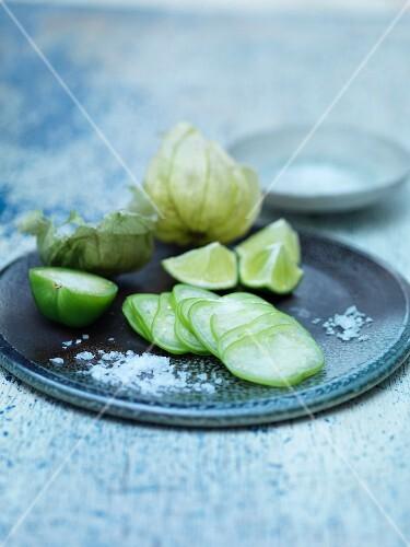 Plate of sliced fruit