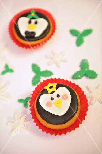 Cupcakes with faces