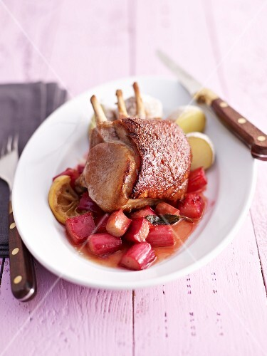 Suckling pig with caramelised rhubarb and boiled potatoes